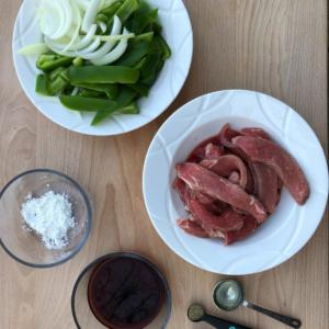 pepper-steak-stir-fry-sirloin-steak-flank-steak-round-steak-clover-meadows-beef-grass-fed-beef-saint-louis-missouri